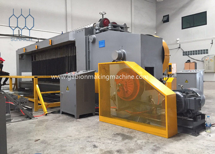 Five twist Gabion Mesh Machine With Automatic PLC control system for 4500mm Mesh Weaving Width
